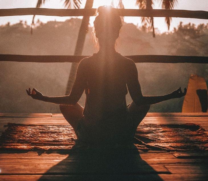 Beneficios físicos y mentales de la meditaicón