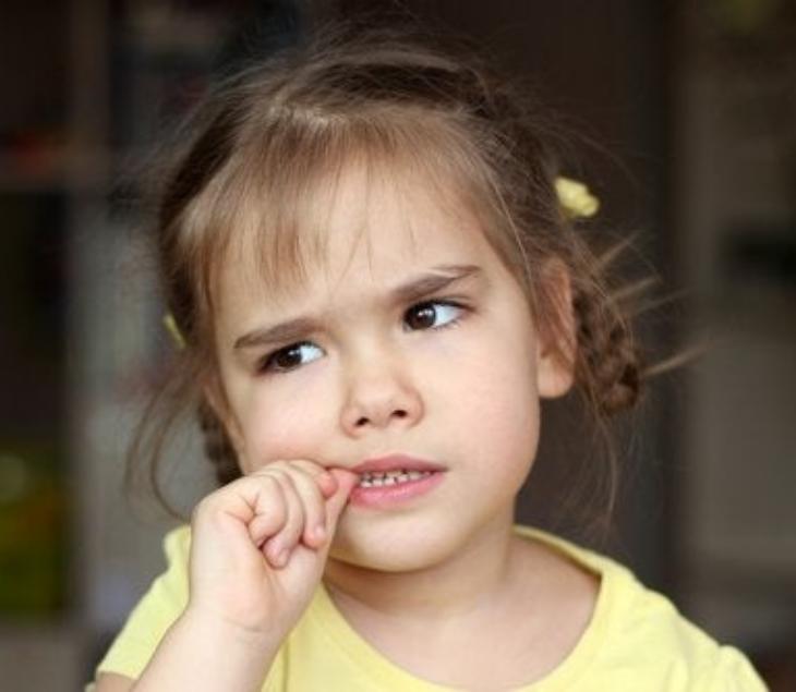 por qué mi hijo se muerde las uñas